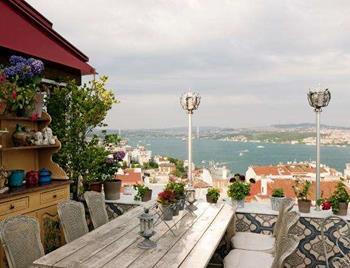 5. Kat Restaurant & Cafe Bar