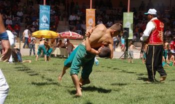 Afşin Eshab-ı Kehf Kültür ve Karakucak Güreş Festivali