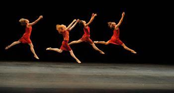 Biennial Dansı