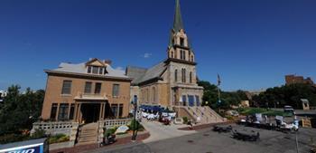 Bizim Leydi Lourdes Katolik Kilisesi