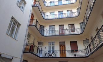 Castle Court Apartment
