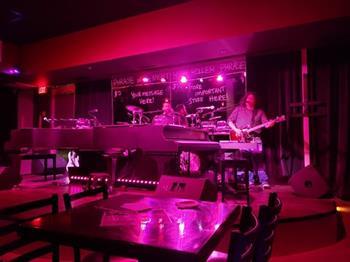 D's Keys Dueling Pianos