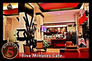 Five Minutes Cafe