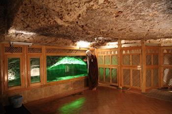 Hz. İbrahim'in Doğduğu Mağara ve Mevlid-i Halil Camii