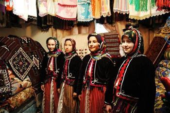 Merder Bal, Yoğurt ve Madımak Festivali