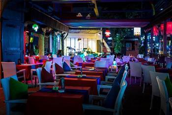Moonwalker Restaurant & Bar