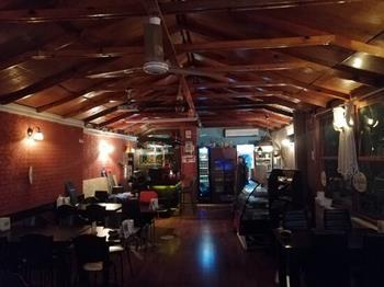 Nihavend Pub