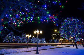 Noel Işıklandırması/Christmas Light Across Canada