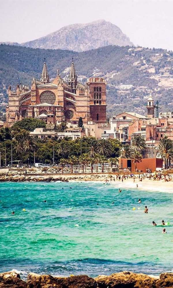Palma de Mallorca Uçak Bileti
