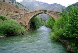 Şemdinli Taş Köprü