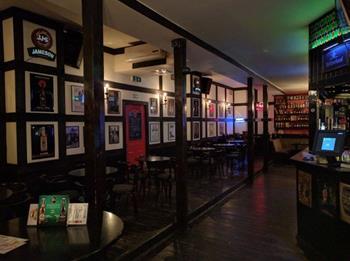 The 80's Pub