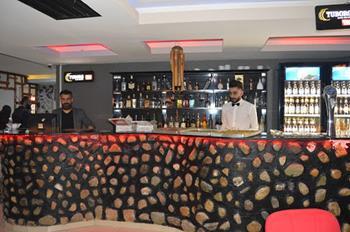 Zeus Cafe& Bar